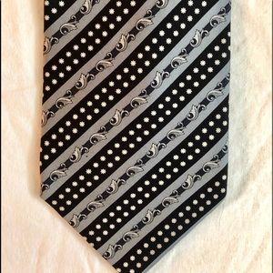 Gianni Versace Men's Tie, all silk, black white